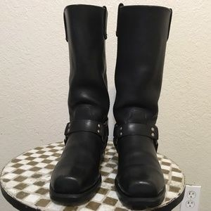 BROOKS BLACK HARNESS BOOTS 10 D